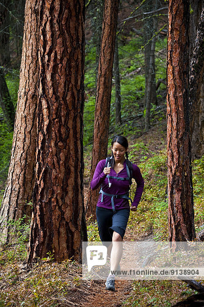 Frau  folgen  rennen  blind  jung  Penticton  3