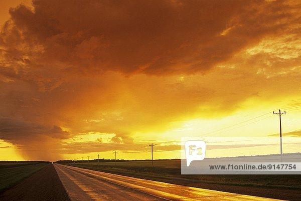 Wolke  Agrarland  Fernverkehrsstraße  Hintergrund  Gewitterwolke  Kanada  Manitoba