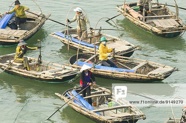Boot  Passagier  Taxi  warten  Vietnam