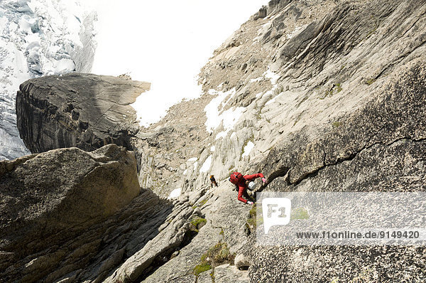 Felsbrocken  Kirchturm  Richtung  The Bugaboos  British Columbia  klettern