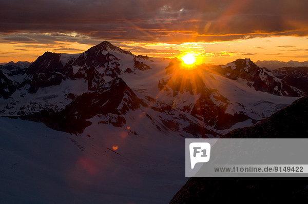 Berg  Sonnenuntergang  über  Ländliches Motiv  ländliche Motive  The Bugaboos  British Columbia