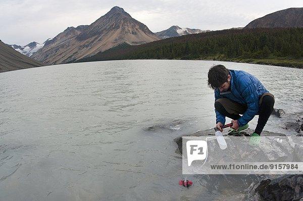nahe  Berg  Tagesausflug  See  Spruce Lake Protected Area  British Columbia  Kanada