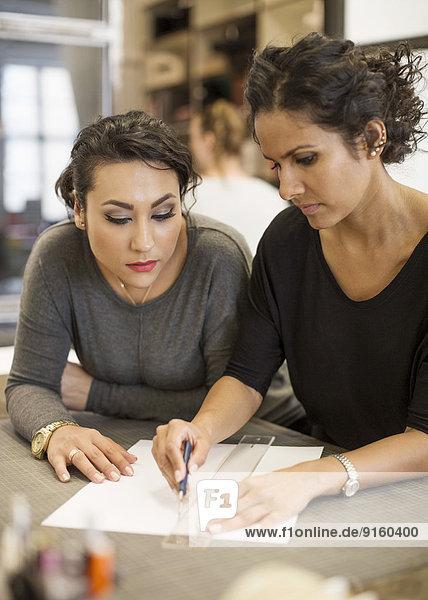 Unternehmerinnen im Kreativbüro