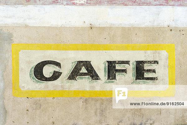 Altes gemaltes Café-Zeichen  Homps  Aude Département  Languedoc-Roussillon  Frankreich