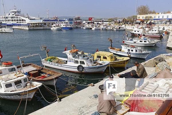 Fischerhafen  Gelibolu  Halbinsel Gallipoli  Dardanellen  Thrakien  Marmararegion  Türkei