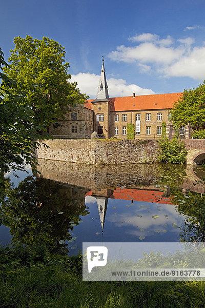 Burg Lüdinghausen  Wasserburg  Renaissanceburg  Lüdinghausen  Münsterland  Nordrhein-Westfalen  Deutschland