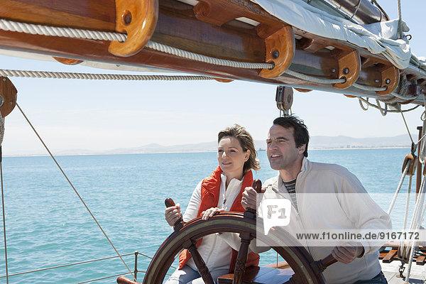 Europäer steuern Tretboot