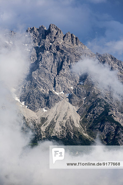 Österreich  Allgäuer Hochalpen  Kleiner Widderstein im Nebel