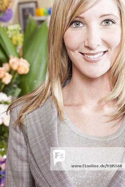 Europäer Geschäftsfrau lächeln Florist