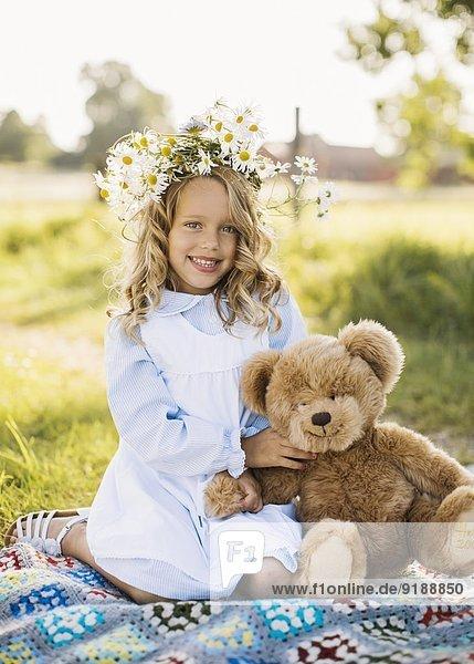 Blume lächeln Blumenkranz Kranz Mädchen