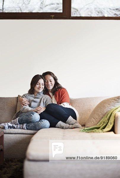 Jugendlicher Couch Tochter Mutter - Mensch
