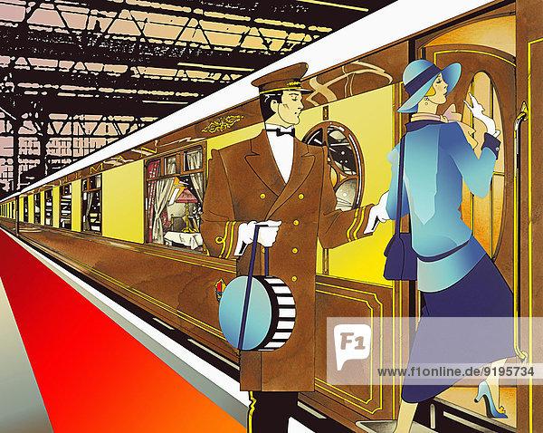 Portier ist einer glamourösen 20iger Jahre Frau in einem Bahnhof beim Einsteigen in den Zug behilflich