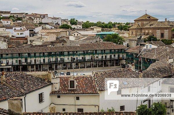 grün Quadrat Quadrate quadratisch quadratisches quadratischer Dorf Ansicht Chinchon Spanien