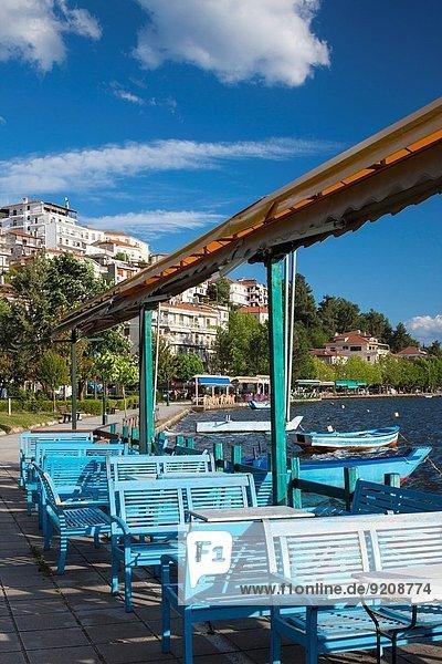 Stadt See Ansicht Cafe Griechenland Seeufer