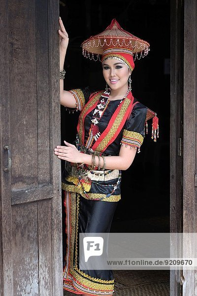 Tradition Dorf Kleidung Kostüm - Faschingskostüm Kultur Ethnisches Erscheinungsbild Teenagerin Sarawak