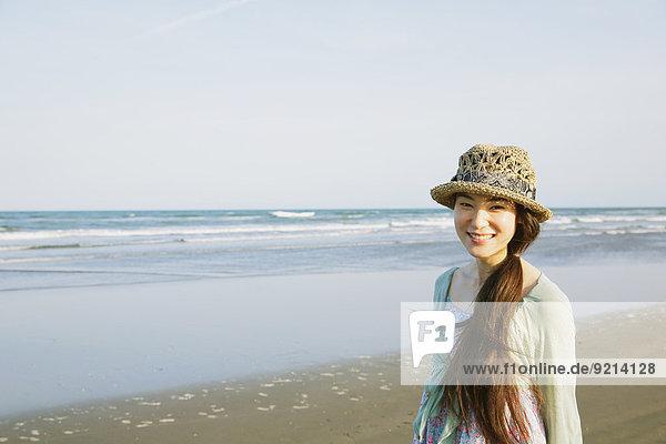 Frau Strand japanisch