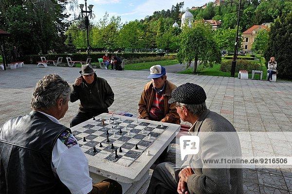 Spiel öffentlicher Ort Schach Rumänien
