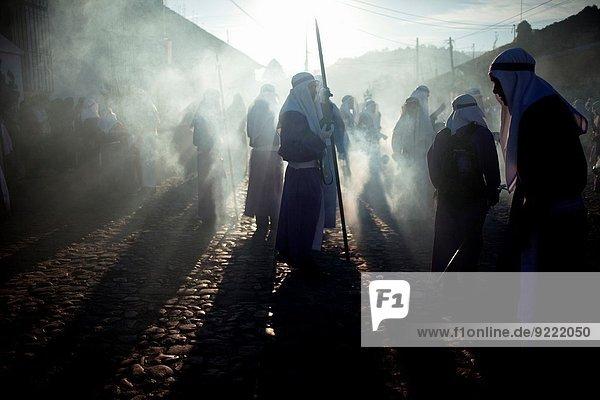 Wolke gehen Heiligkeit Jesus Christus Ostern Guatemala Weihrauch Merced Prozession Woche