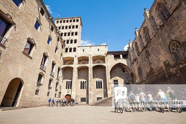 Quadrat Quadrate quadratisch quadratisches quadratischer Gotik Barcelona Viertel Menge Spanien