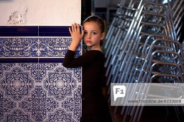 Atemübung Lifestyle tanzen Musik zeigen Ast Richtung Wurzel halten Kultur Mensch Flamenco Mädchen Klassisches Konzert Klassik Andalusien Rivera Spanien