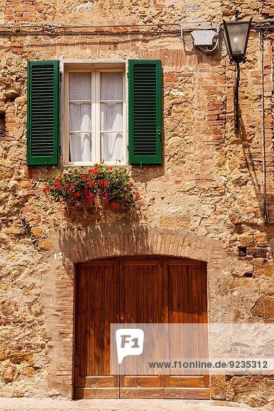 Landschaft Stadt bizarr Präsentation UNESCO-Welterbe Zeichen Toskana