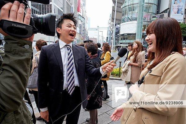 Straße Interview Tokyo Hauptstadt Fernsehen Ortsteil Mode Ginza Japan