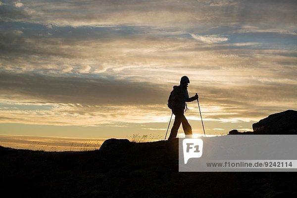 Berggipfel Gipfel Spitze Spitzen Sommer Abend wandern Sonne