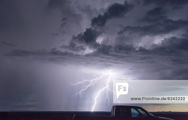 Vereinigte Staaten von Amerika USA über Sturm Wald Elektrizität Strom New Mexico