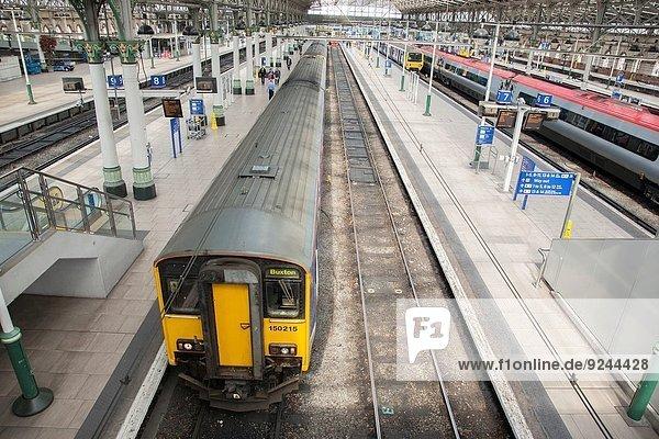 Train at Piccadilly Railway Station  Manchester  England  UK.