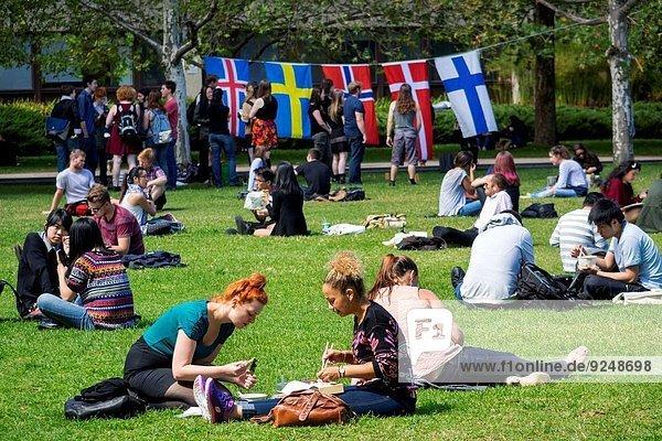 Jugendlicher Frau Mann Schule (Einrichtung) Student Campus Victoria Australien Melbourne