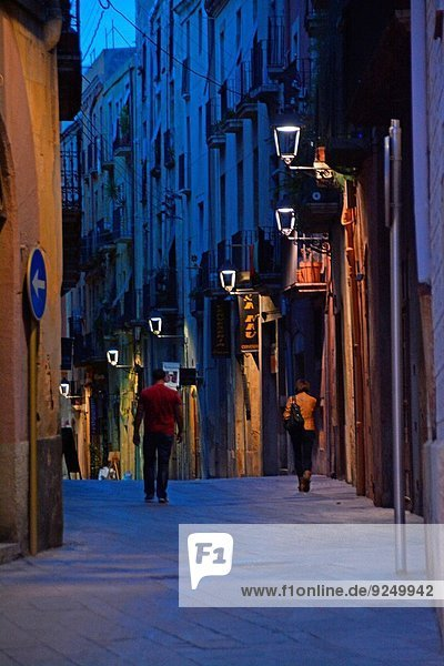 One of the narrow streets in the Old quarter. Tarragona  Catalonia  Spain  Europe.