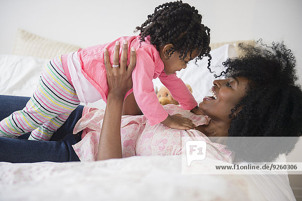 Bett Tochter Mutter - Mensch spielen