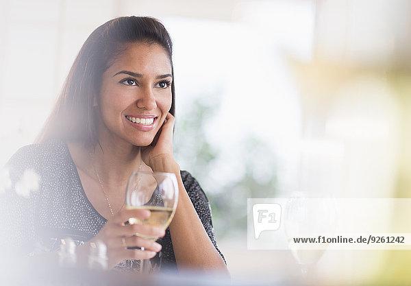 Frau Glas Wein Hispanier Restaurant