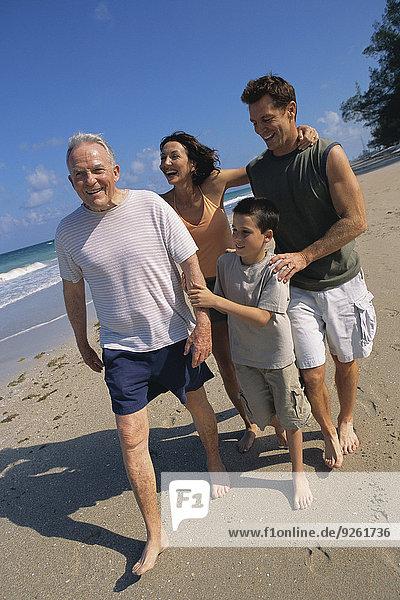 Zusammenhalt gehen Strand