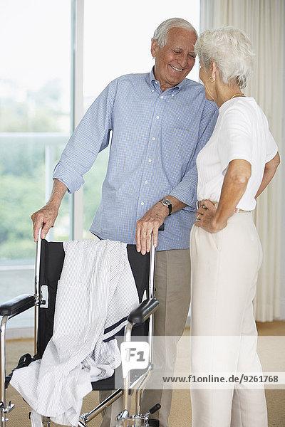 Senior Senioren lächeln Krankenhaus