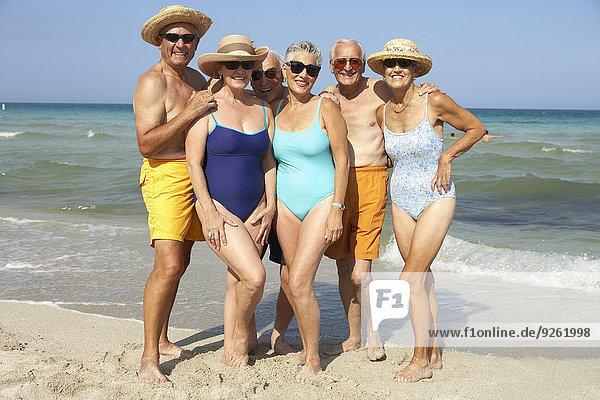 Senior Senioren Freundschaft lächeln Strand