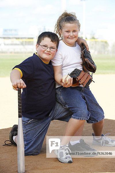 Zusammenhalt lächeln Baseball Diamant