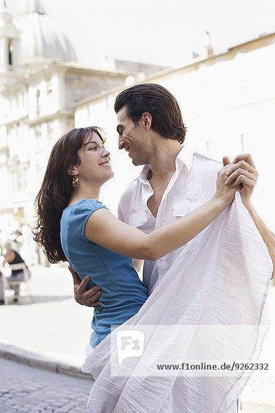 Europäer Straße tanzen Großstadt
