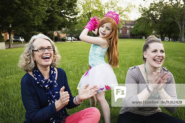 Europäer Frau Entspannung 3 Generation
