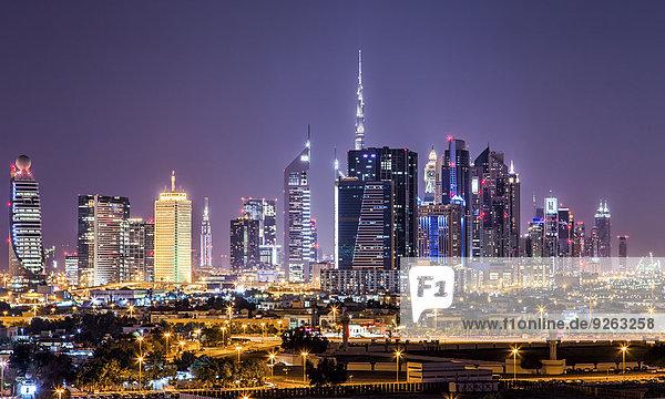 Vereinigte Arabische Emirate  Dubai bei Nacht