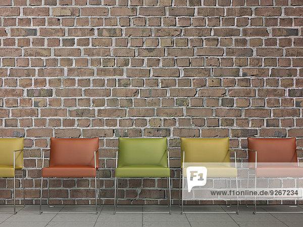 3D Rendering  Stuhlreihe an der Ziegelwand