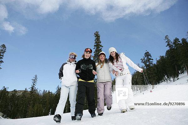 stehend Frau 4 Ski Hang