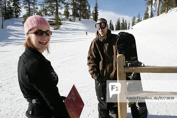 stehend Frau Mann Ski Hang