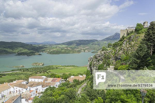 Palast Schloß Schlösser über Dorf Ansicht Spanien Zahara de la Sierra