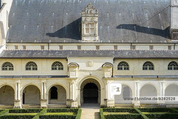 Kreuzgang  Abtei Fontevrault  Fontevraud l'Abbaye  Maine-et-Loire  Pays-de-la-Loire  Frankreich