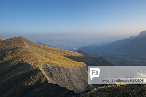 Dämmerung auf dem Pelvoux  Dauphiné-Alpen  Département Savoie  Frankreich