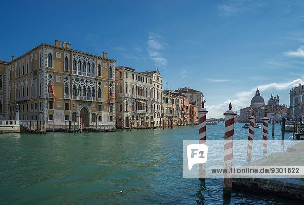 Blick auf Pier und Canal Grande  Venedig  Veneto  Italien