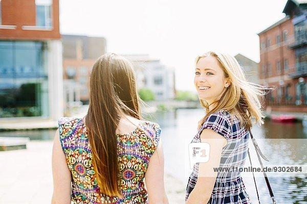 Freunde am Kanal  Leeds  England Freunde am Kanal, Leeds, England