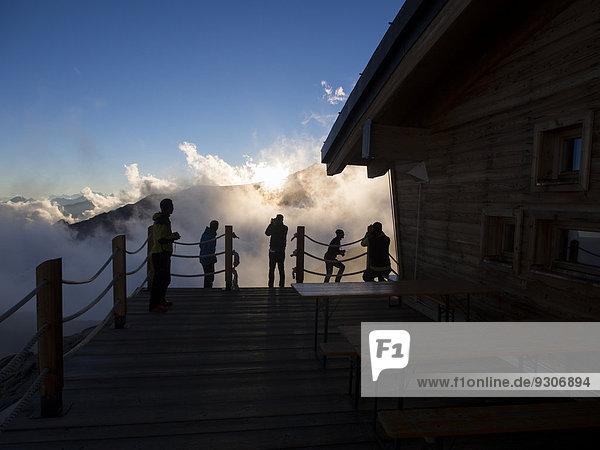 Bergsteiger Hütte Sonnenuntergang Alpen Veranda Monte Rosa Mantua Italien