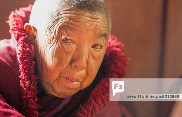 Religion Dorf fünfstöckig Buddhismus Himalaya Mount Everest Sagarmatha 90 Kloster Nonne